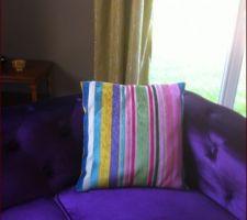 Canapé ( de chez déclicdéco ) ajouté dans la chambre d'amis