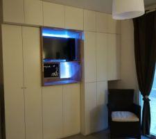 Chambre avec meuble spaceo et planche de chêne 2cm