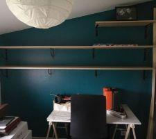 Phase 1 : Aménagement du Bureau - Mise en place équerre et étagère (bis)