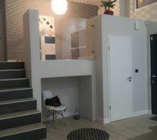 Zoom sur l'entrée et la mezzanine