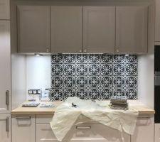 Carrelage imitation carreaux de ciment Gatsby Leroy Merlin pour la crédence de la cuisine
