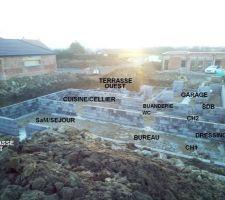 13/02/2018 - Jour 5 : Élévation du vide sanitaire et positionnement des futures pièces intérieures