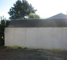 remplacement de la haie par mur de soutènement et grille dessus