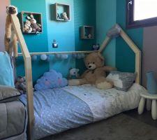 Le nouveau lit de notre fils dans la tendance lit maison