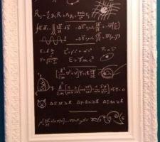 Cadre LOUIS XV avec équations régissant notre univers