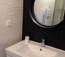 Salle de bain parentale Miroir Clifford maisons du monde Vasque Ikea Godmorgon blanc laqué