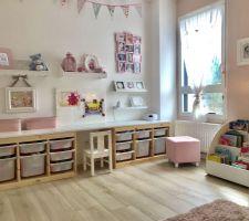 Chambre de notre fille - espace jeux / bureau
