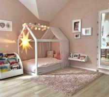 Chambre de notre fille - coin lit / lecture