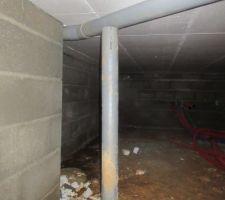 Fixation du PVC dans le vide sanitaire non noté sur le PV de réception. Trop fort, n'importe qui peux le faire...