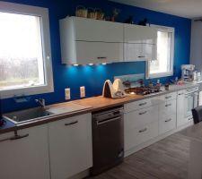 La cuisine. Ouverte sur l espace salon salle a manger.cuisine plus Besançon Impuls küchen