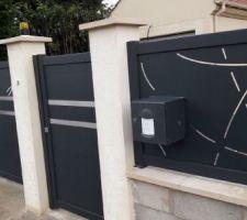 Portail, portillon et clôture sur muret posés