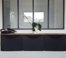 Meuble ikea sous la verrière avec planche en chêne