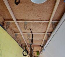 Deuxième couche de fibre de bois en  100 mm partie plafond 1er étage