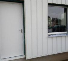 La porte d entrée toute simple mais bien isolée, Mauguin modèle Academy 2.