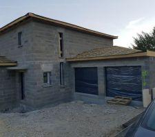 Portes et fenêtres posées + portes de garage