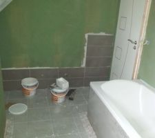 Salle de bain : pose de la faïence