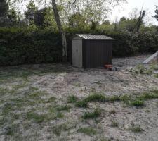 La cabane de jardin terminée !