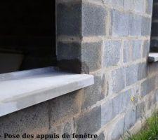 Mercredi 2 et Jeudi 3 Mai - Pose des seuils de porte et des appuis de fenêtre