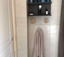 Un peu de rangement dans la salle de bain