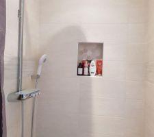 Colonne de douche salle de bain parentale