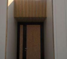 Bardage de la porte d'entrée