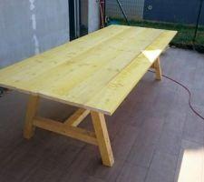 Une table spécial famille nombreuse : 3m x 1,2m