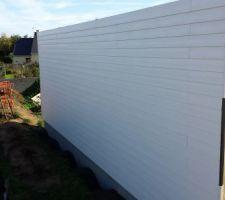 Bardage fibre-ciment Lap Cedral - mur nord terminé!