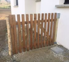 Création d'un portail bois à partir d'une clôture