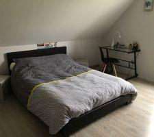 Nouveau lit  2 places et linge de lit....fini le lit voiture de petit garçon !