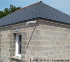 Lundi 14 Mai - Installation des gouttières corniche G300 en aluminium laqué Anthracite (RAL 7016)