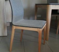 Chaise modèle Cléia