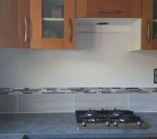 Carrelage de la crédence de la cuisine.... enfin. On a trouvé notre bonheur avec Odazzi de Castorama + Mosaique Jada métal également chez Castorama