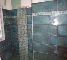 Douche salle d'eau de la suite parentale avec mosaïque faience