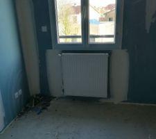 Pose des radiateurs à l'étage