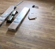 Le stratifié des chambres à l?etage - Leroy Merlin Artens 12 XXL - Chêne Malte