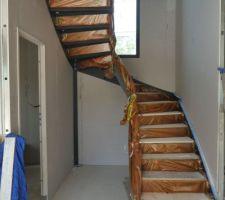 Escalier posé et protégé