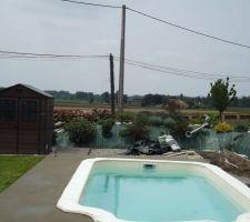 Chape autour de la piscine avant pose du carrelage
