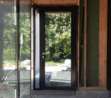 Notre future porte d'entrée... vue de l'intérieur de la maison
