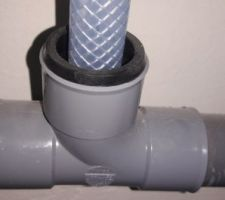Etancheite à air sur le raccord PVC / gaine souplepour les condensats