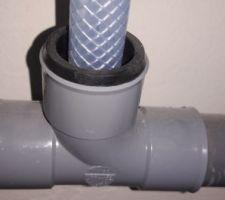 Etancheite à air sur le raccord PVC / gaine souple pour les condensats