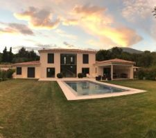 La maison de LaurentJ au coucher du soleil + 7 autres photos