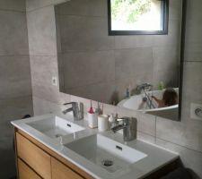 Miroir de la salle de bain enfin en place !
