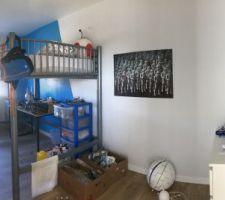 Une Chambre enfant (lit mezzanine de chez Fly)