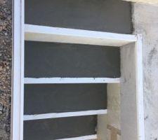 Finition des marches d?escalier