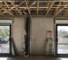 Premier passage de gaines, tuyaux et alimentations électriques