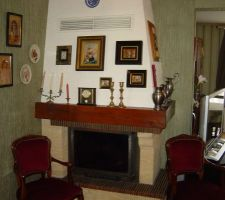 salle a manger de l ancienne proprietaire 3eme vue la cheminee