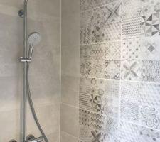 Salle d'eau / Colonne de douche