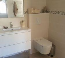 Salle d eau chambre parentale. Plus value faite sur le robinet et sur le wc également ( Inspira de chez Roca).