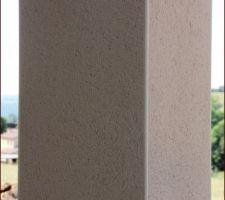 Poteau de la terrasse, détail