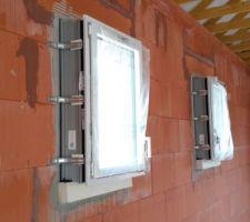Fenêtres avec tapée de 160.